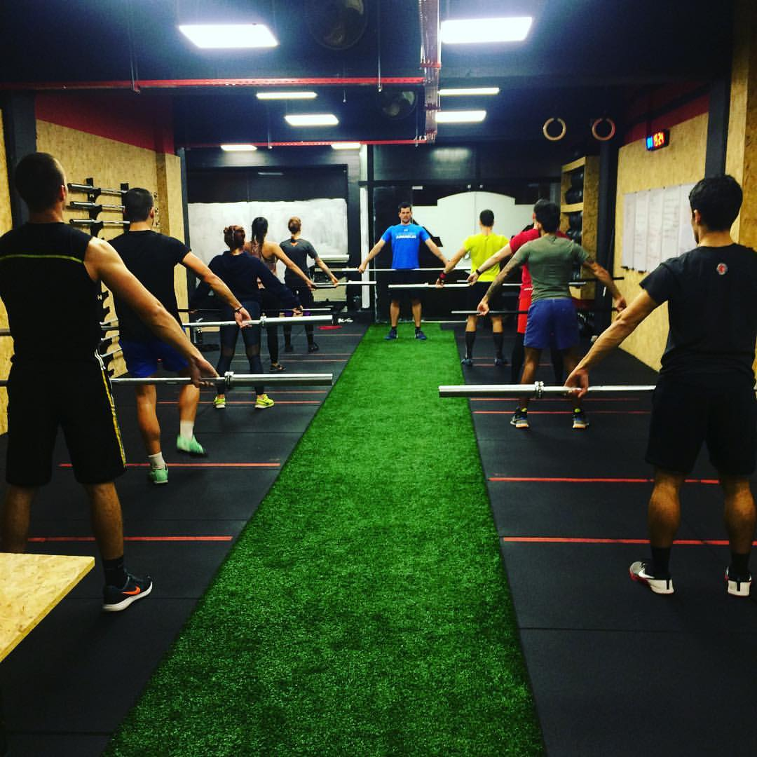 What is the difference between Crossfit and circuit training